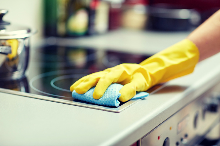 cleaning a gas stovetop